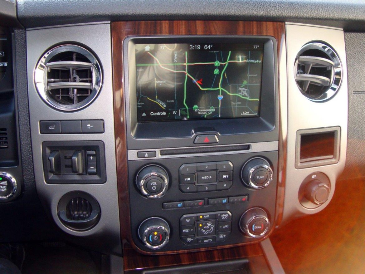 Photo of SUV for sale: 2017 Ford Expedition by Ford
