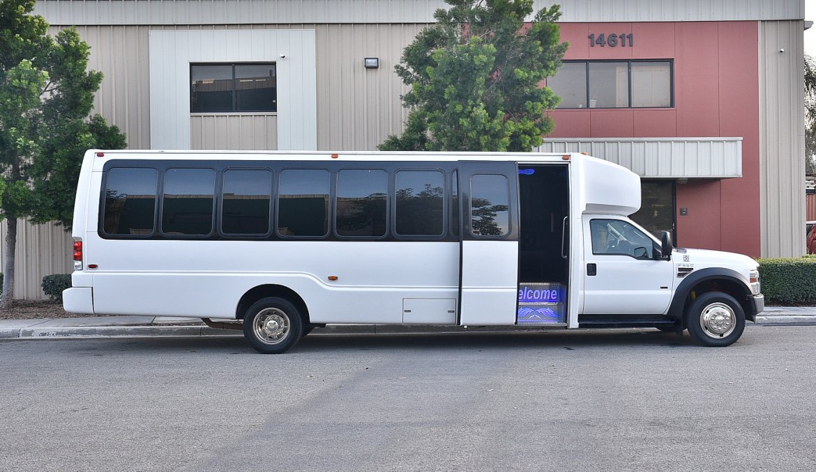 Photo of Limo Bus for sale: 2008 International 3400 by Krystal Koach