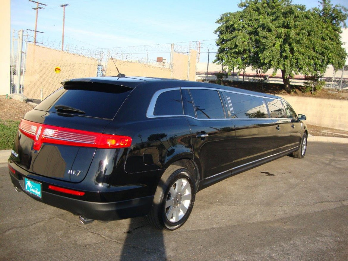 Executive Coach Builders Lincoln Mkt Evo Limousine A Cea B Large on 2013 Cadillac Xts Battery Location
