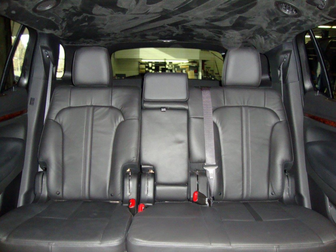 Executive Coach Builders Lincoln Mkt Evo Limousine A Cea C Eea Large on 2013 Cadillac Xts Battery Location