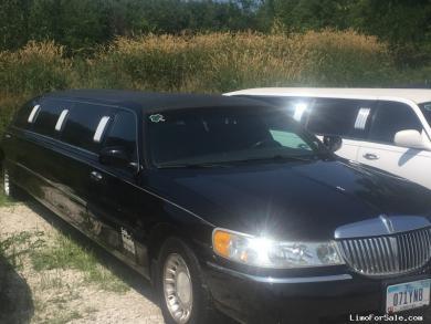 For sale: 2000 LINCOLN Towncar Limousine