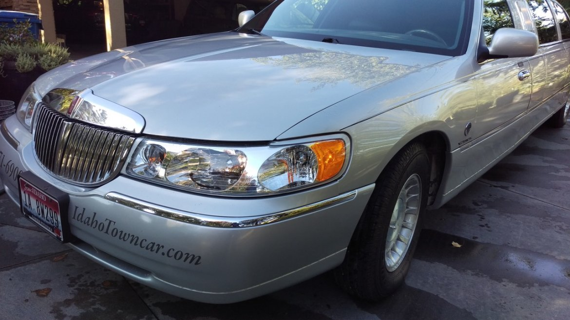Used 2000 Lincoln Towncar For Sale Ws 10967 We Sell Limos