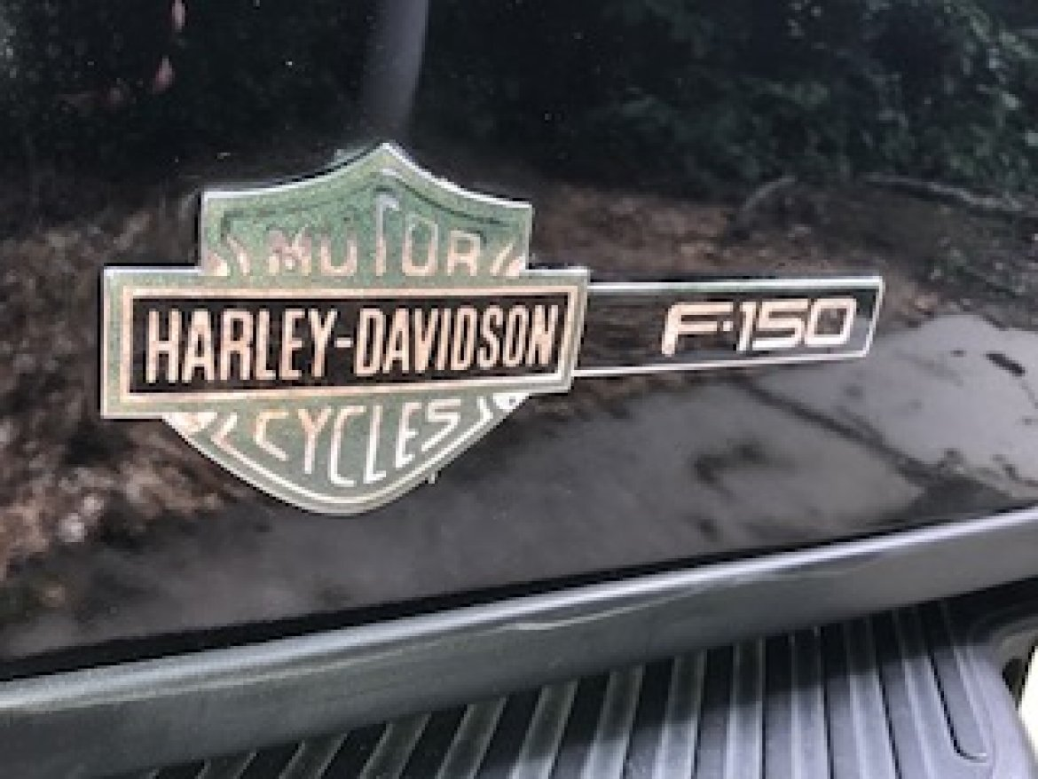 Photo of Limousine for sale: 2001 Ford 2001 Ford F150 Harley Davidson Edition