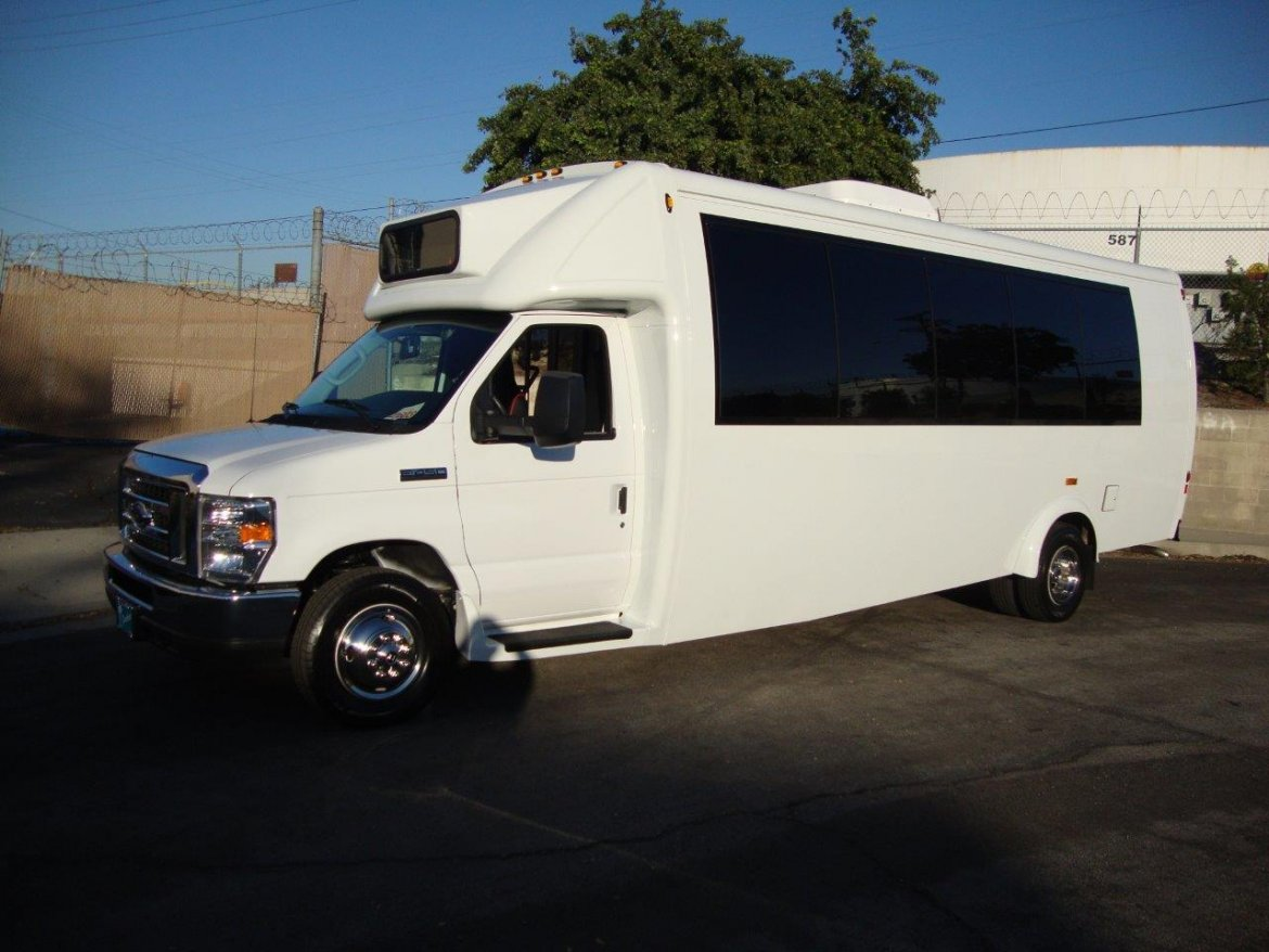 Shuttle Bus for sale: 2017 Ford E-450 by Embassy